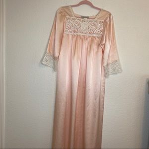 NWOT CHRISTIAN DIOR Nightgown Peach Lace Small